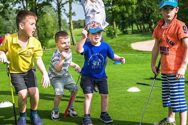 Children golf lesson
